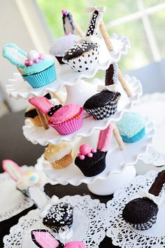 High Heel Cupcakes:  What a cute and fun idea for a slumber party, Girl Scout meeting, or just some rare mother/daughter time.