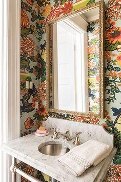 Pink Bathroom: Designs & Decoration Photos - Home Fashion Trend Guest Bathrooms, Small Bathroom, Bathroom Ideas, Cozy Bathroom, Decor Interior Design, Interior Decorating, Boho Stil, Bathroom Wallpaper, Wallpaper Powder Rooms