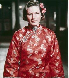Golden Age Of Hollywood, Classic Hollywood, Ingrid Bergman, Old Photos, Movie Stars, Vintage Ladies, Cinema, Bomber Jacket, Actresses