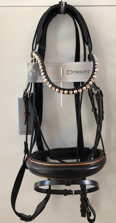 Exclusive, rare and beautiful bridle Classic - from Döbert. Exclusive, rare and beautiful br Equestrian Outfits, Equestrian Style, Horse Fashion, Horse Accessories, Horse Tack, Dressage Bridle, Clothes Horse, Horse Riding, Horseback Riding
