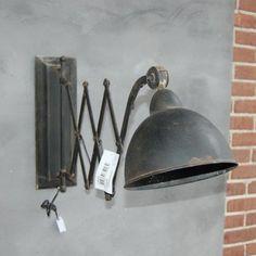 """Schaarlamp metaal """"oud"""" zwart. Afmeting: 40 x 36 x 19.5 cm"""