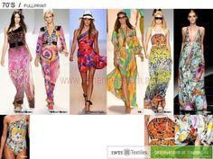 Look de los 70 cuando la mujer usa vestidos fullprint