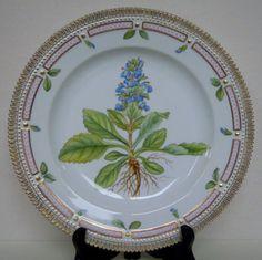 10-ROYAL-COPENHAGEN-FLORA-DANICA-DINNER-PLATE-Model-no-624-3549-1st-choice   $725.00
