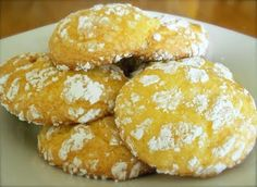 Six Sisters' Stuff: Lemon Cool-Whip Crinkle Cookies: 8 oz cool whip (lite if you want) 2 eggs, 18.25 on cake mix. mix. It will be sticky. spoon 1 tsp at a time into powdered sugar, place on lightly greased sheets. 350 9-11 min.