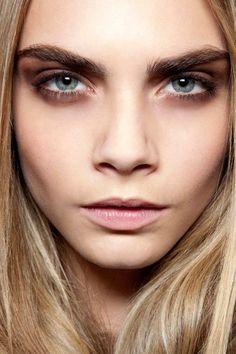 Augen Make Up Cara Delevingne - Make-Up Trends Make Up Looks, Smoky Eye, Cara Delevingne Photoshoot, Delevigne Cara, Soft Grunge Hair, Cara Delvingne, Braut Make-up, Facial, Most Beautiful Women