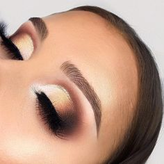 Gorgeous soft glam eye makeup #eyemakeup #eyeshadow
