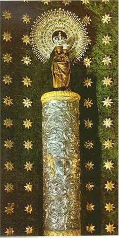 Virgen del Pilar Zaragoza Es la patrona de España.su advocacion es una de las mas intensas en nuestro pais