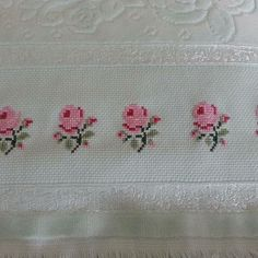This Pin was discovered by Nev Just Cross Stitch, Cross Stitch Borders, Crochet Borders, Cross Stitch Flowers, Cross Stitch Designs, Cross Stitching, Cross Stitch Embroidery, Cross Stitch Patterns, Beading Patterns