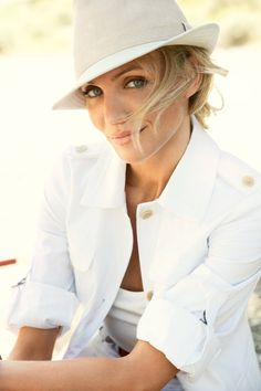 There's still something about Cameron Diaz. Photographed by Mario Testino, Vogue, June 2009.