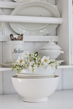 VIBEKE DESIGN: wild, beautiful and white!