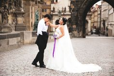 Pre-wedding photo at Charles Bridge in Prague. Charles Bridge, Prague, Wedding Photos, Wedding Photography, Wedding Dresses, Fashion, Wedding, Marriage Pictures, Bride Dresses