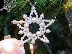 8. csillag formájú karácsonyfadísz<br>Ahogyan a fehér gyöngy is