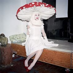 Vintage Halloween costume, mushroom costume, Gallery of the absurd Retro Halloween, Costume Halloween, Holidays Halloween, Halloween Decorations, Halloween Party, Halloween Fashion, Creative Costumes, Cool Costumes, Costume Ideas