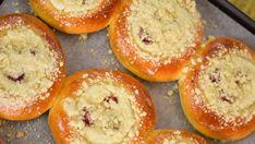 Moravské koláče s tvarohovou plnkou  | Recepty.sk Baked Goods, Muffin, Food And Drink, Sweets, Breakfast, Recipes, Pastries, Basket, Bakken