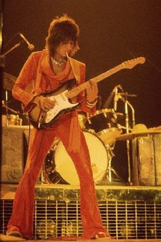 Ronnie Wood one of my personal favorite guitarists.