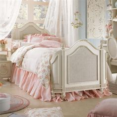 Cozy Vintage Bed Pink Bedroom Shabby Bedrooms Décor