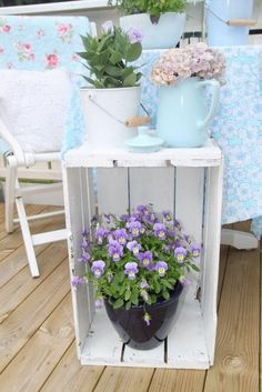 What is a plant stand? Plant stand is an ornamental element that helps you display your interior or outdoor plants on a beautiful platform. Plants stands come in a range of sizes, forms, . Read Best Plant Stand Ideas for Your Own Forest Country Farmhouse Decor, Rustic Decor, Farmhouse Style, Country Crafts, Country Kitchen, Vintage Decor, Country Chic Decor, Smart Kitchen, Vintage Farmhouse