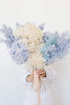 Dried flowers are back, with a plethora of blooming beauties popping up on social media and on the pages of some of the most influential interiors enthusiasts. Pineapple Flowers, Hibiscus Flowers, Types Of Flowers, Real Flowers, Dried Flower Bouquet, Dried Flowers, Australian Native Flowers, Pink And Blue Flowers, Special Flowers