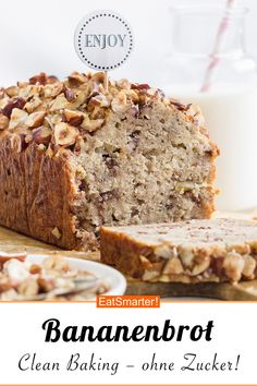 Clean Baking: Banana Bread- Clean Baking: Bananenbrot High-quality protein, healthy unsaturated fats and vitamin E from hazelnuts help the body cope with harmful substances. This robust banana bread is the perfect clean bake treat eatsmarter. Super Moist Banana Bread, Easy Banana Bread, Chocolate Chip Banana Bread, Healthy Banana Bread, Banana Bread Recipes, Baking Recipes, Dessert Recipes, Pudding Recipes, Clean Eating Breakfast