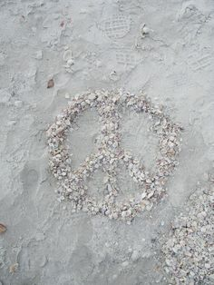 Make peace with yourself. It is the best gift you ever can give yourself. Peace in your inner circle. Bohemian Lifestyle, Bohemian Style, White Bohemian, Give Peace A Chance, Neutral, Colouring Pics, Shades Of White, Land Art, Beautiful Soul