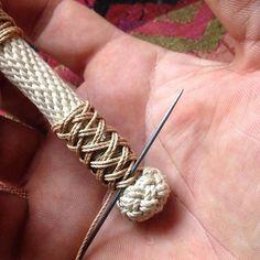 Doing some small scale stuff. #marlinspike #turkshead #handweaving #fiber #linen