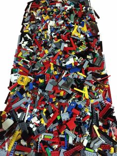 Estimated 2000+ Clean Lego Pieces Over 4lb LOT- WITH MINIFIGURES *Washed and Sanitized*