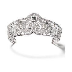 Cartier Ecco la corona appartenuta alla regina Elisabeth del Belgio! ❤ liked on Polyvore featuring tiaras, jewelry, crowns, accessories and coroas