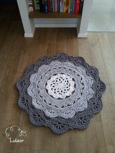 Crochet doily rug fabric yarn round rug zpagetti yarn by Lulaor