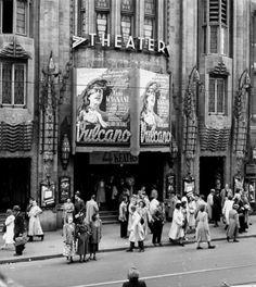 1950. Art deco cinema palace Tuschinski Theatre on Reguliersbreestraat, Amsterdam. #amsterdam1950 #amsterdam