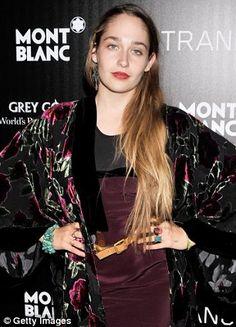 jemima kirke - She reminds me of Fiona Apple.