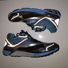 Scoot eRide Runner  shoes ott eRide Ice Runner All Weather Road-Running Shoes - Women's - in excellent condition like new! Shoes Athletic Shoes