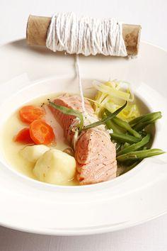 La versatilidad del salmón. En caldo y con verduras. © Cortesía de Samantha de España.