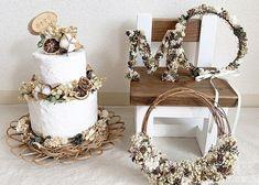 最近流行ってる!ウェルカムスペースに飾りたい【可愛いフェイクケーキ】デザイン特集* Grapevine Wreath, Grape Vines, Diy And Crafts, Crown, Wreaths, Birthday, Wedding, Decor, Mariage