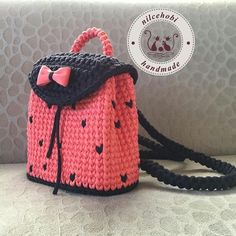 Knitting Kids Bags Models, # weavepantamodelsdesigned # weavepantamodels new Kids Knitting Patterns, Knitting For Kids, Crochet Blanket Patterns, Baby Knitting, Crochet Clothes, Crochet Toys, Knit Crochet, Crotchet Bags, Knitted Bags