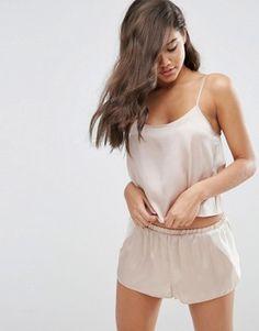 Атласный пижамный комплект с шортами ASOS