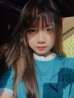 Cute Korean Girl, Cute Asian Girls, Beautiful Asian Girls, Cute Girls, Girl Photo Poses, Girl Photos, Korean Hairstyles Women, School Girl Japan, Western Girl