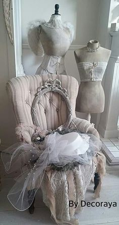Shabby Chic Home Decor Style Cottage, Shabby Chic Cottage, Vintage Shabby Chic, Shabby Chic Homes, Decoration Shabby, Vintage Mannequin, Fru Fru, Home And Deco, Retro
