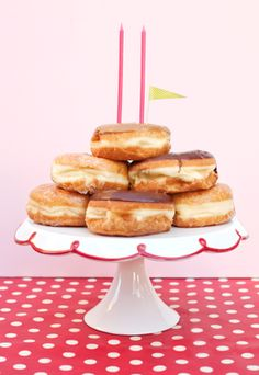 donut birthday cake..ill be stopping for one in the morning after seeing this!! Lol