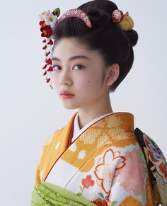 Japanese Beauty, Asian Beauty, Japan Woman, Japanese Hairstyle, Bright Spring, Japanese Outfits, Yukata, Japanese Kimono, Japanese Culture