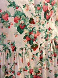 I wanna make a strawberry dress with strawberry buttons. Strawberry Dress, Strawberry Patch, Strawberry Farm, Strawberry Shortcake, Strawberry Kitchen, Strawberry Fields Forever, Sweet Dress, Alternative Fashion, Fashion Prints