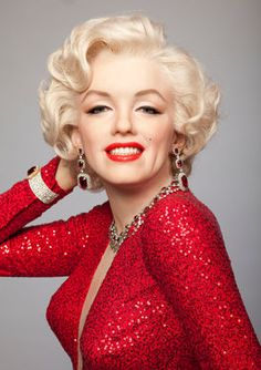StatusMind offers famous quotes of a movie star and legend Marilyn Monroe with pictures of her sayings. Monroe was known for her shy wittiness and wise sayings. Marylin Monroe, Marilyn Monroe Kunst, Estilo Marilyn Monroe, Marilyn Monroe Artwork, Marilyn Monroe Quotes, Madame Tussauds, Norma Jeane, Brigitte Bardot, Hollywood Glamour