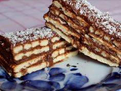 Sweet crackers and milk cream dessert Romanian Desserts, Choux Pastry, No Cook Desserts, Cream Cake, Tiramisu, Biscuits, Sweet Treats, Cooking Recipes, Sweets