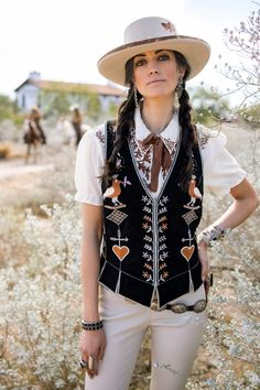 Western Vest, Western Style, Hippie Style, My Style, Double D Ranch, Urban Cowboy, Boho Fashion, Fashion Outfits, Sassy Pants