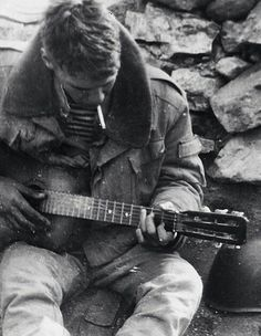 Soviet paratrooper and guitar, Afghanistan, pin by Paolo Marzioli