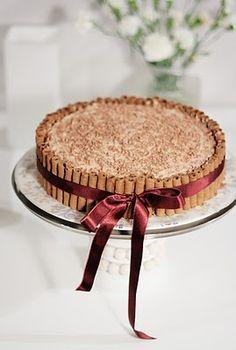 Suklainen isänpäiväkakku   Lunni leipoo Cheesecakes, Tiramisu, Art Drawings, Baking, Simple, Ethnic Recipes, Food, Cheese Cakes, Bakken