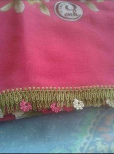This Pin was discovered by Ayş Chic Minimalista, Moda Emo, Desi, Shawl, Coin Purse, Diy Crafts, Wallet, Bridal, Model