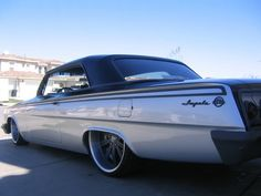 Intro's on my 62 Impala... 20/22 combo grey brushed  -  Intro wheels does a nice job! They lathe down the backside of the spokes to a nice curved profile, which thins the center, and give the spokes a better look then just having a flat profile. Another plus is they are way lighter because of the extra machine work. Very impressive.