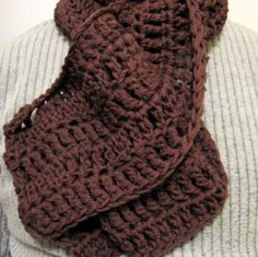 Free pattern for a long chunky crochet scarf that works up fast!