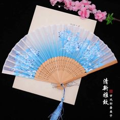 Cherry Blossom Theme, Chinese Fans, Anime Weapons, Kawaii Accessories, Weapon Concept Art, Chinese Clothing, Japanese Outfits, Fantasy Jewelry, Kawaii Clothes