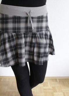 Kaufe meinen Artikel bei #Kleiderkreisel http://www.kleiderkreisel.de/damenmode/minirocke/126213374-karierter-rock-in-grau-von-mister-lady